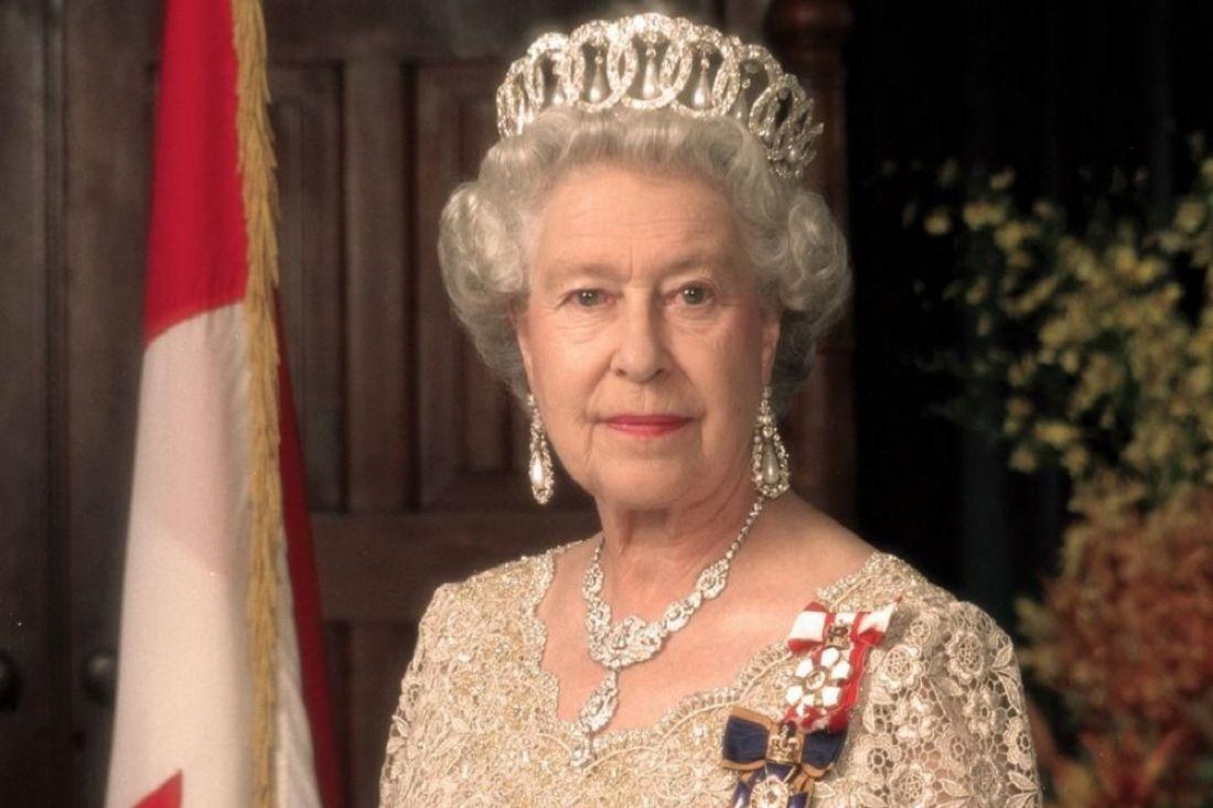 Школьница изСаянска получила письмо откоролевы Англии Елизаветы 2-ой