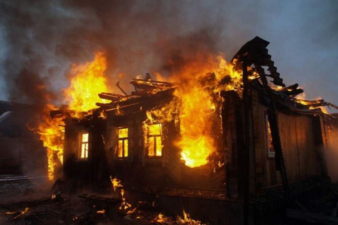 ВПензенской области пожарные спасали отогня кухню в личном доме