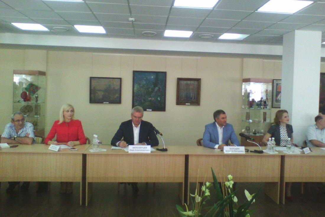 В. Володин и И. Белозерцев посетили станцию скорой медпомощи
