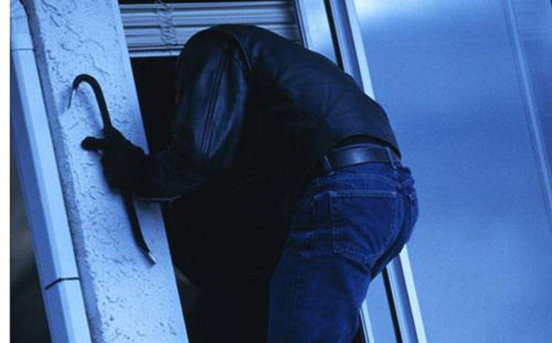 Квартирную кражу вПензе нетрезвый оренбуржец совершил при помощи лома