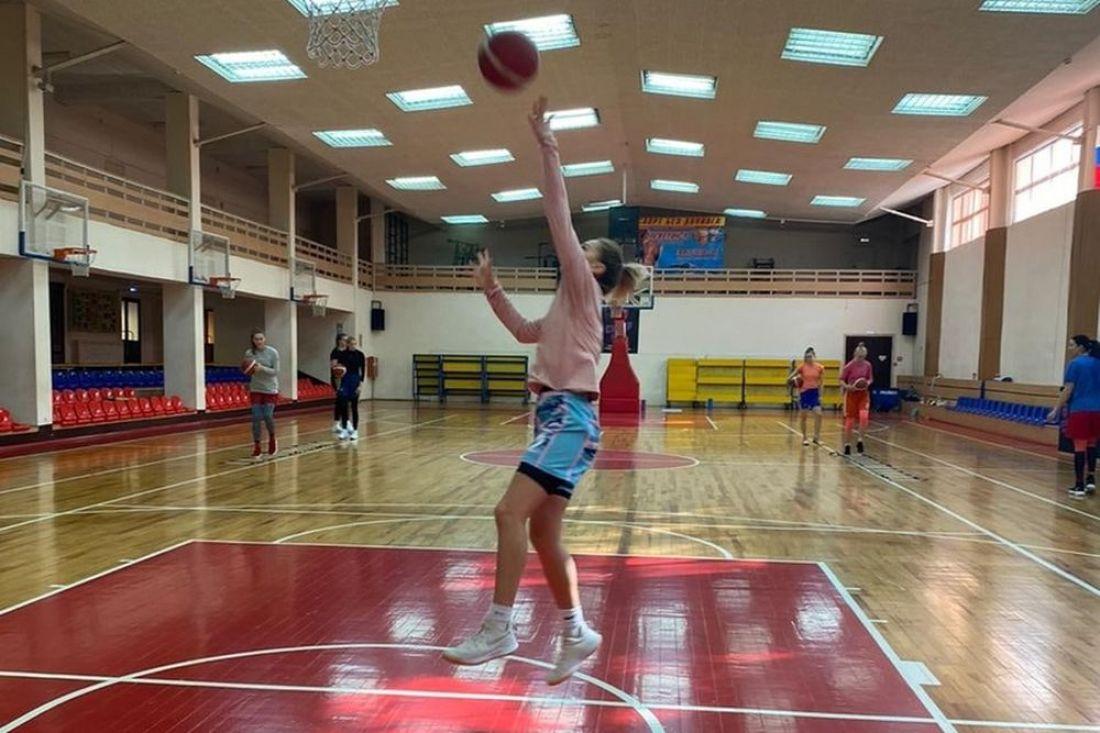 После ковид-карантина к тренировкам допущены пензенские баскетболистки
