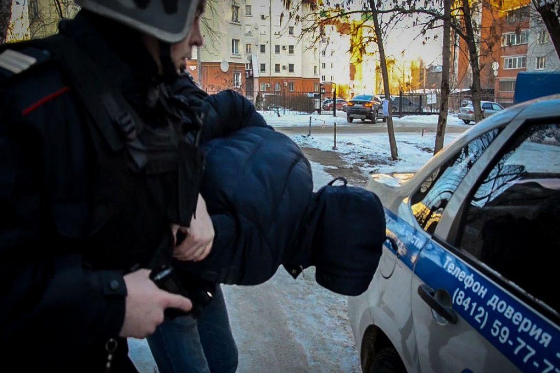 ВПензе наулице Глазунова задержали подозреваемого вграбеже