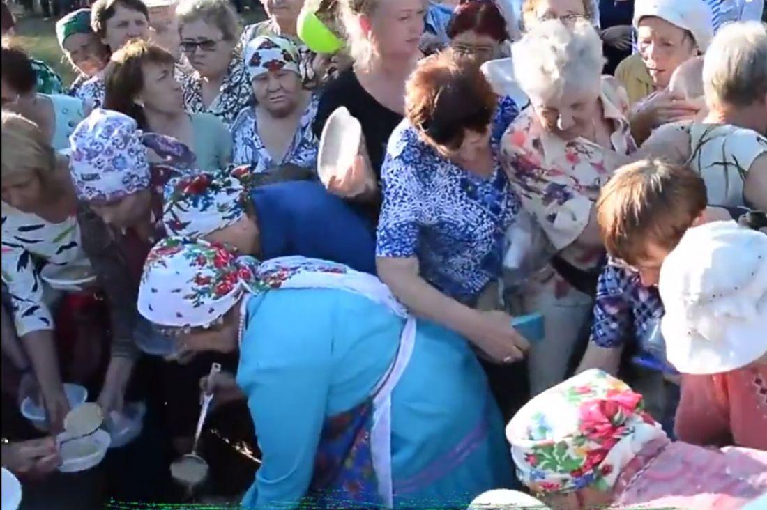ВИжевске пенсионерки подрались из-за бесплатной манной каши