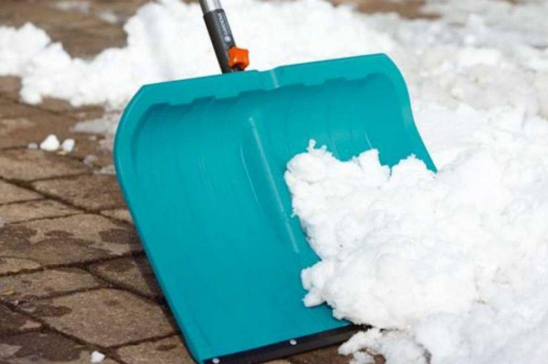Лопата для чистки снега