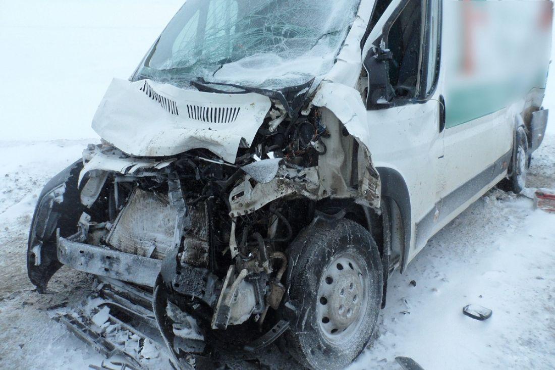 Двое пострадали вДТП смикроавтобусом вПензенской области
