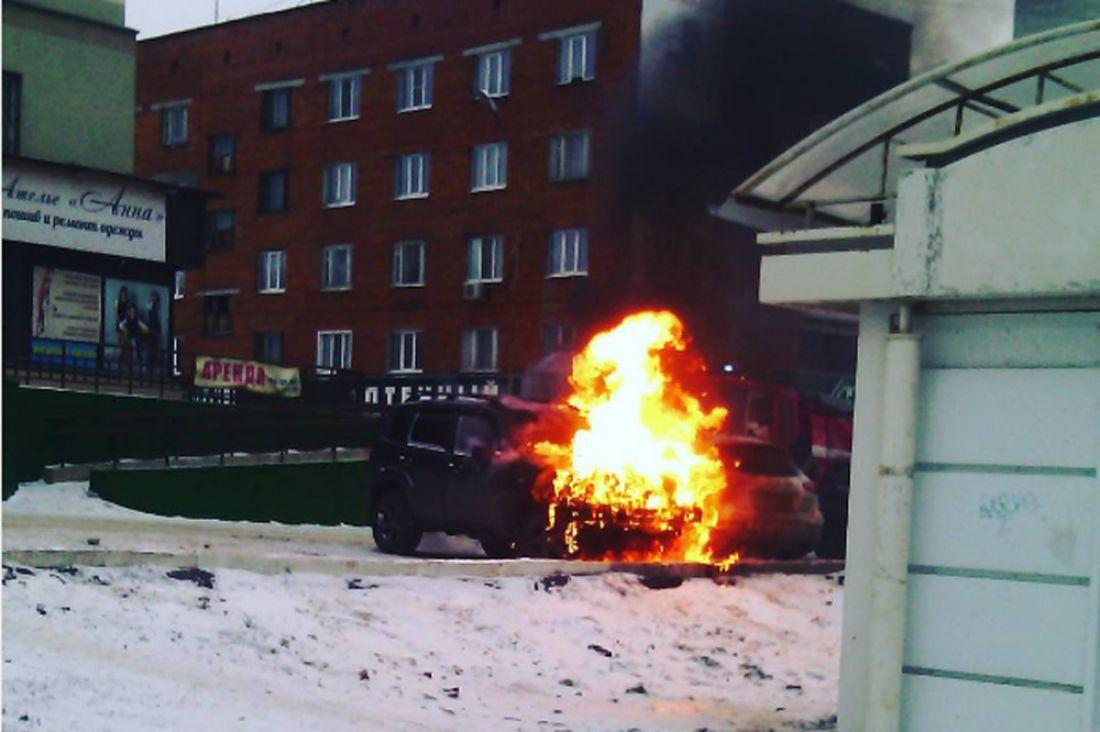 Напр.Строителей утром вспыхнул автомобиль