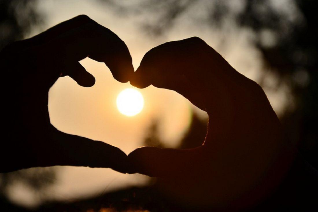 Разрушил любовь своими руками