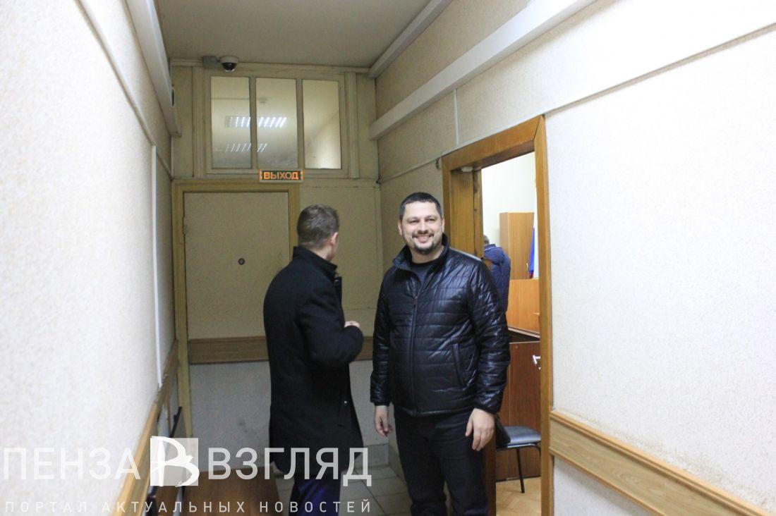 Племяннику экс-губернатора Бочкарева продлили срок домашнего ареста
