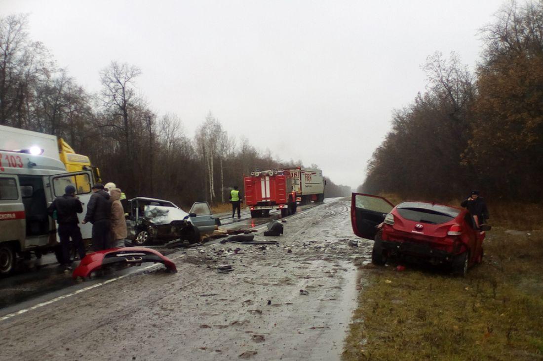 ВМалосердобинском районе неразминулись ВАЗ и Хюндай: имеется пострадавший