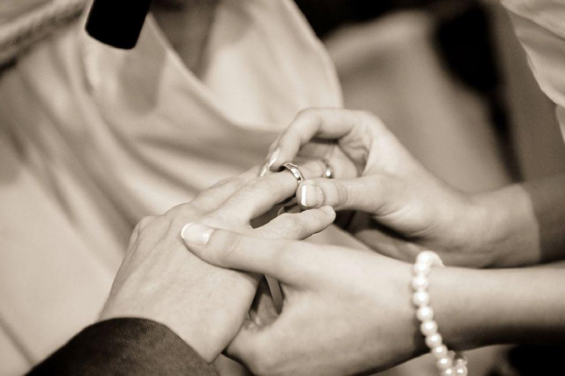 Ученые сообщили, что брак уменьшает жизнь женщины