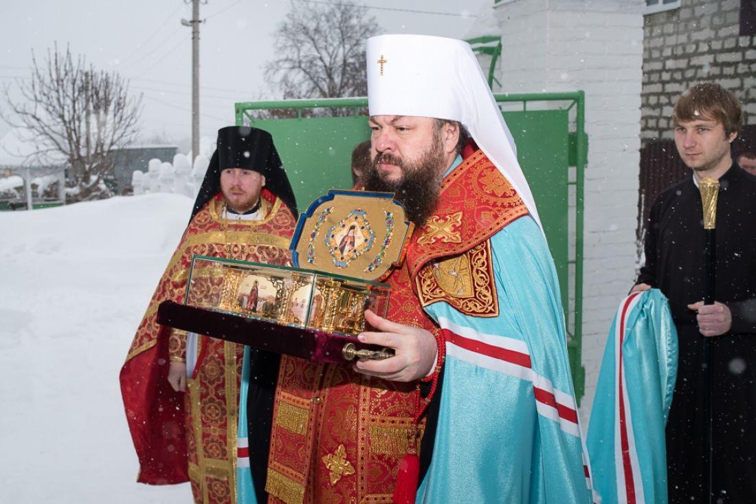 Пенза: доставлен ковчег счастицей мощей святителя Луки