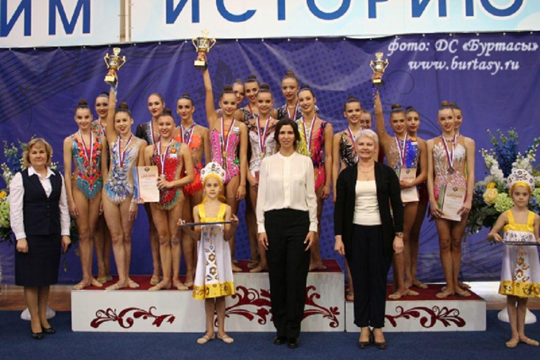 Полина Хонина завоевала две бронзовые медали начемпионате Российской Федерации похудожественной гимнастике