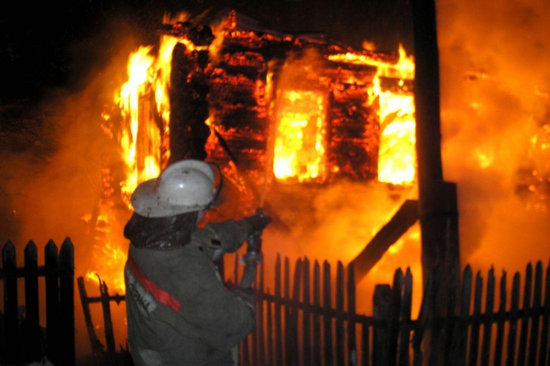 Восемнадцать спасателей тушили административное строение  вМокшане