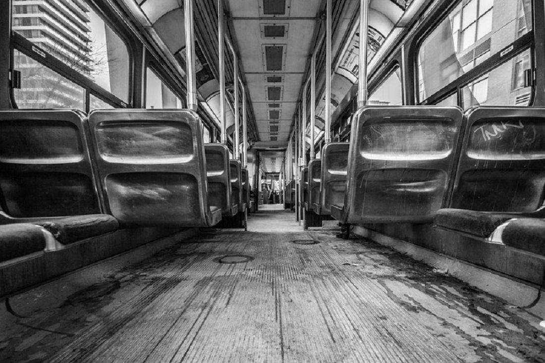 СКпроверит сообщения опадении ребенка-инвалида изавтобуса