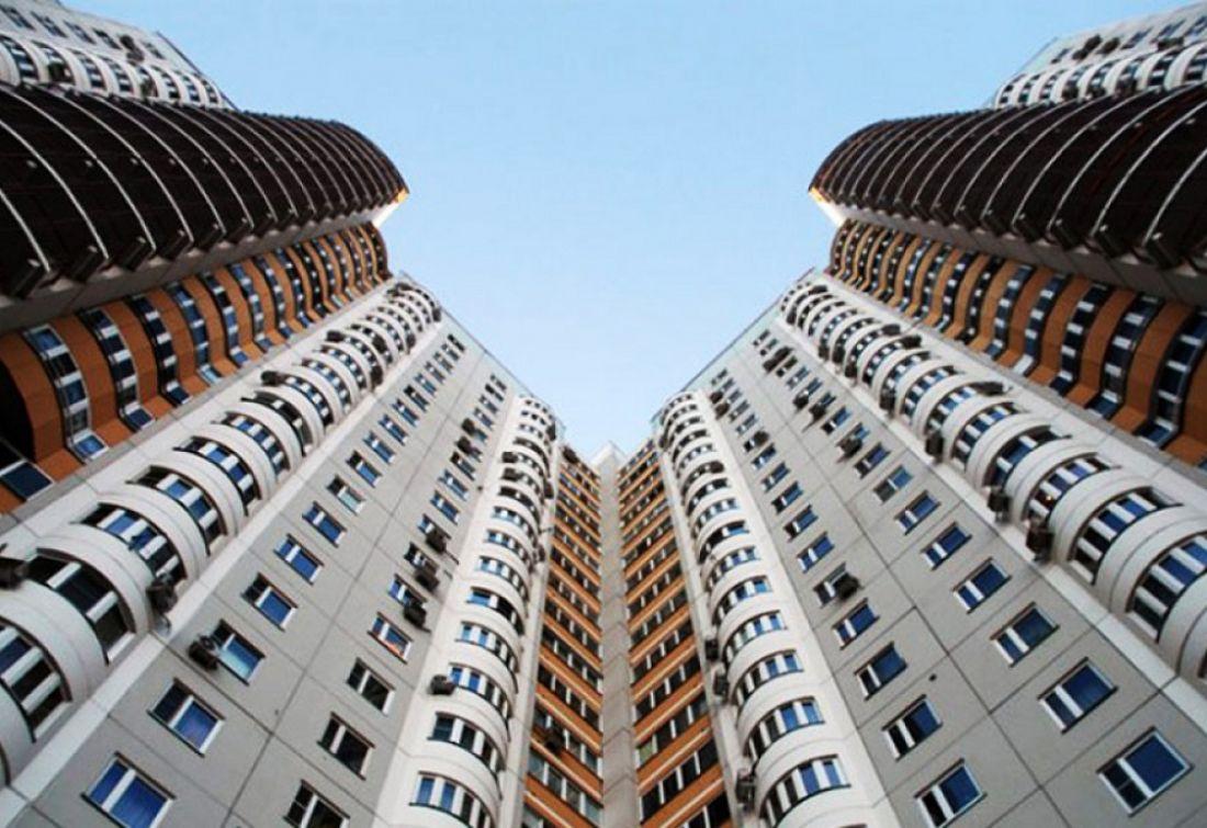 Увыпавшей изокна восьмого этажа пензячки остались два ребенка
