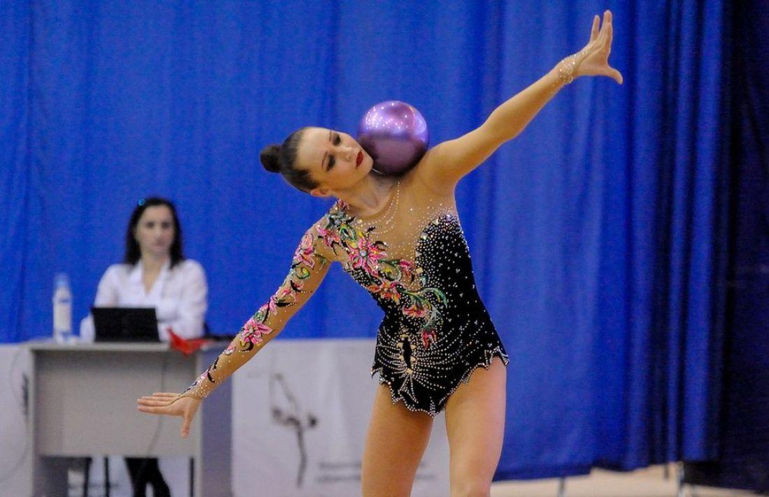 Полина Хонина завоевала две бронзовые медали начемпионате РФ похудожественной гимнастике