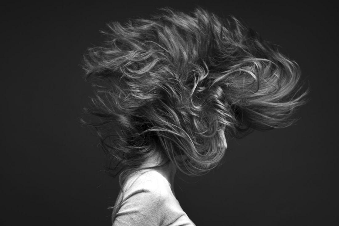 Российские ученые научились определять депрессию по состоянию волос
