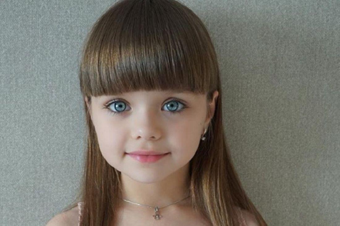 Девочку из РФ признали самой красивой напланете