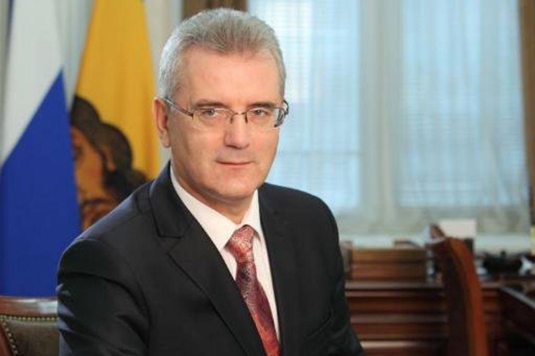 Радаев поднялся на3 строчки врейтинге губернаторов всфере ЖКХ