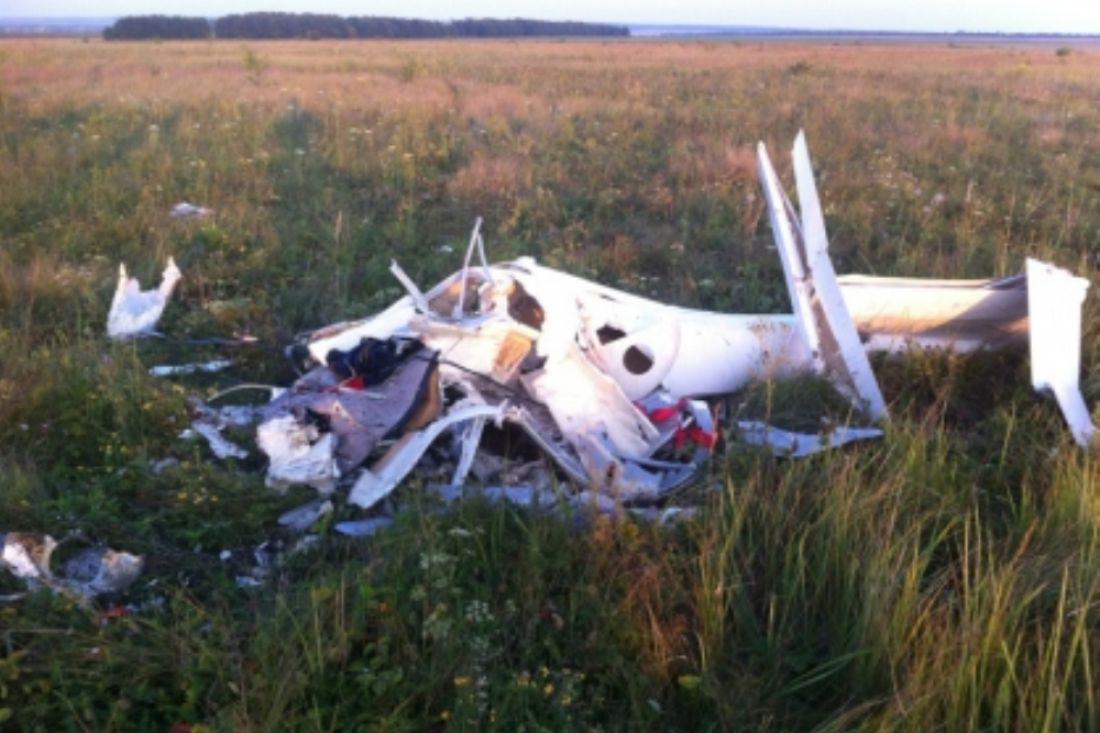 Лётчик-испытатель умер при крушении нового планера вПензенской области