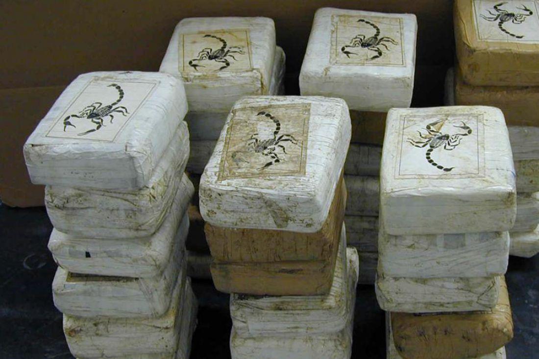 ВоФранции на берег  вынесло полторы тонны кокаина