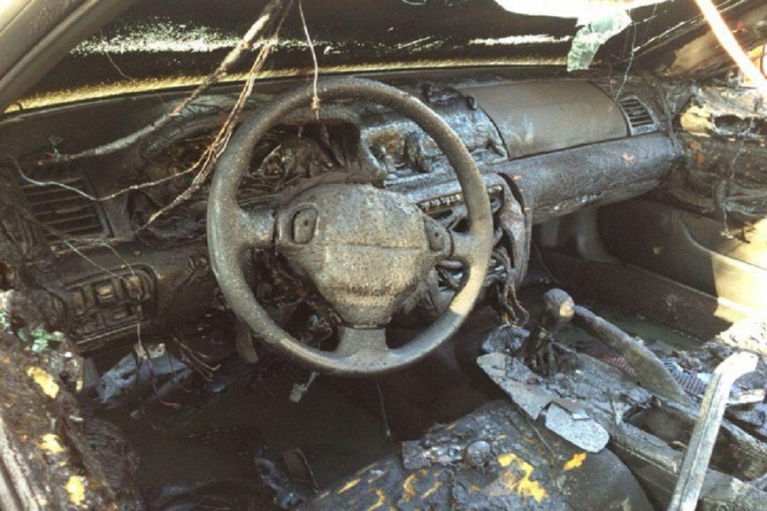 ВПензе 8 спасателей тушили автомобиль