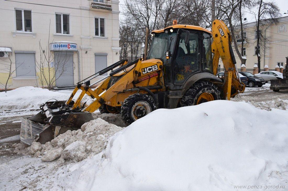 Сулиц Пензы заночь было вывезено 4800 кубометров снега