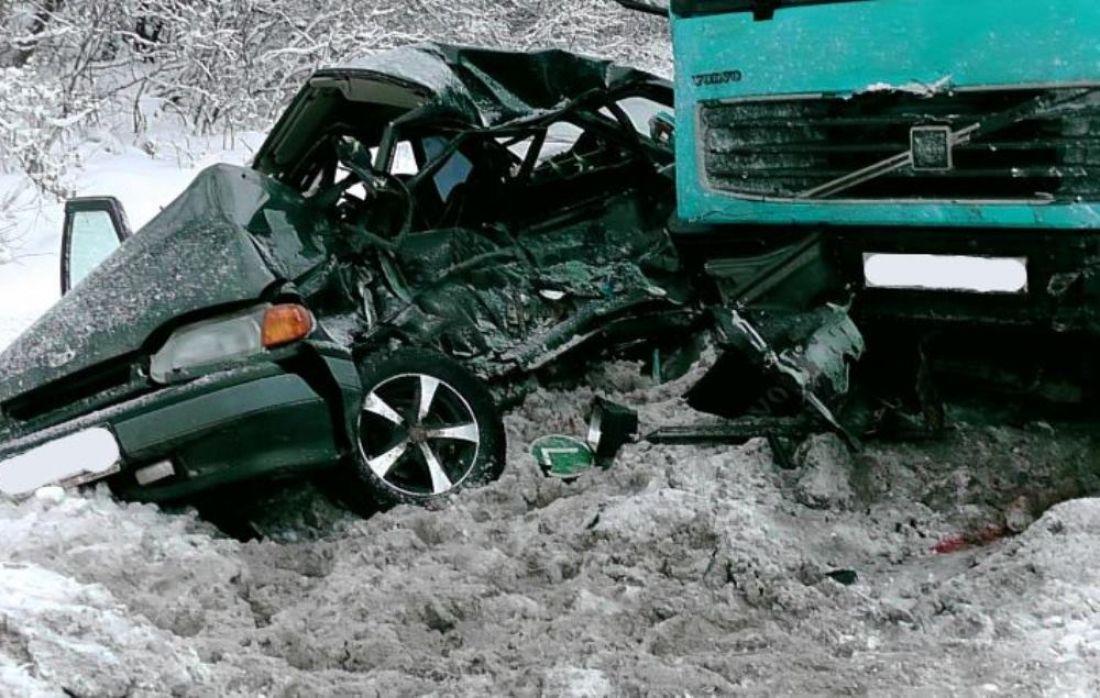 Натрассе М-5 вСасовском районе фургон устроил смертельное ДТП