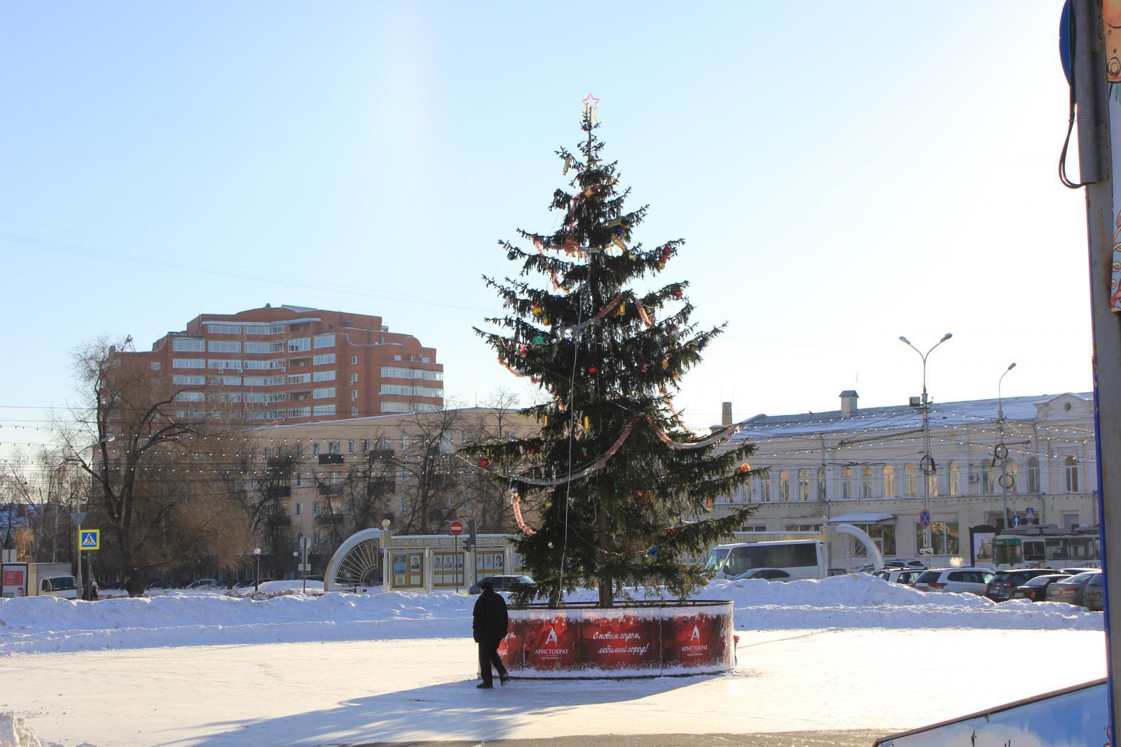 елка в пензе на московской фото