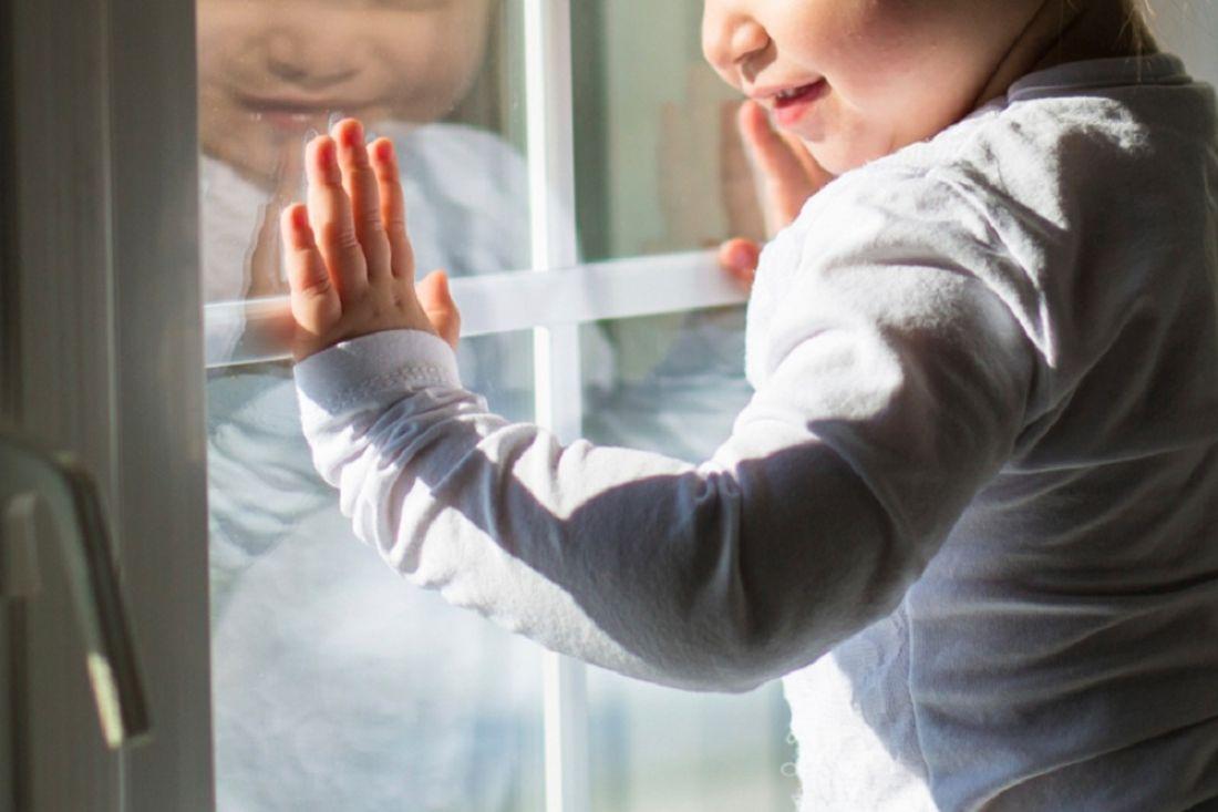 Проводится проверка пофакту падения ребёнка изокна вУльяновском районе