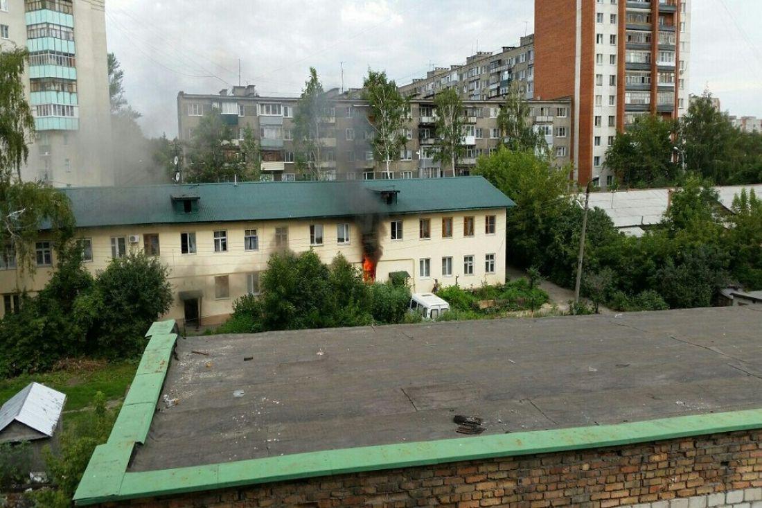 ВПензе наулице Ухтомского пожарные спасли изогня человека