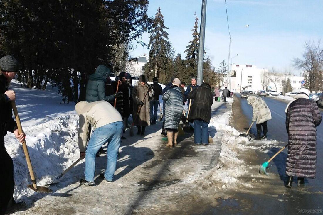 Спензенских улиц уберут снег врамках санитарной пятницы