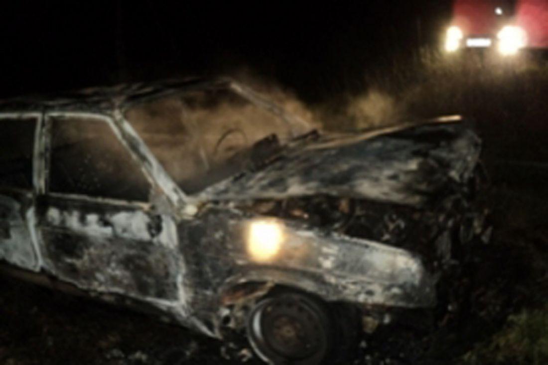 ВПензенской области ночью около стадиона пожарные тушили «девятку»