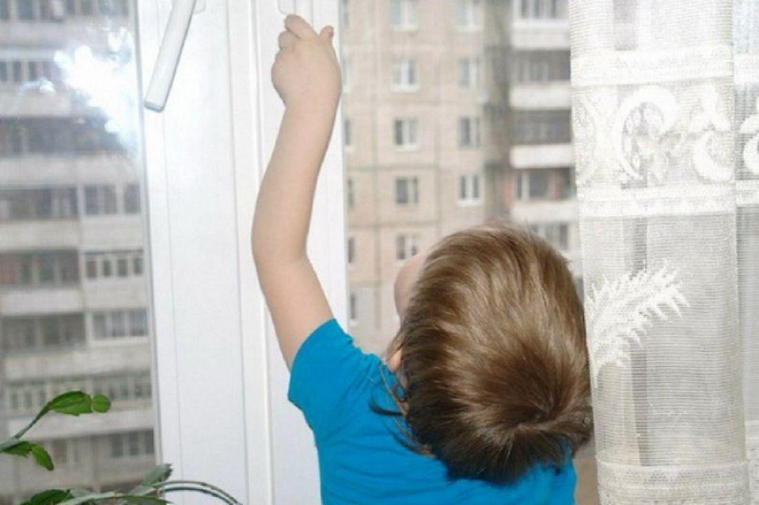 "Впензе 3-летний ребенок запер бабушку набалконе ""gursesint."
