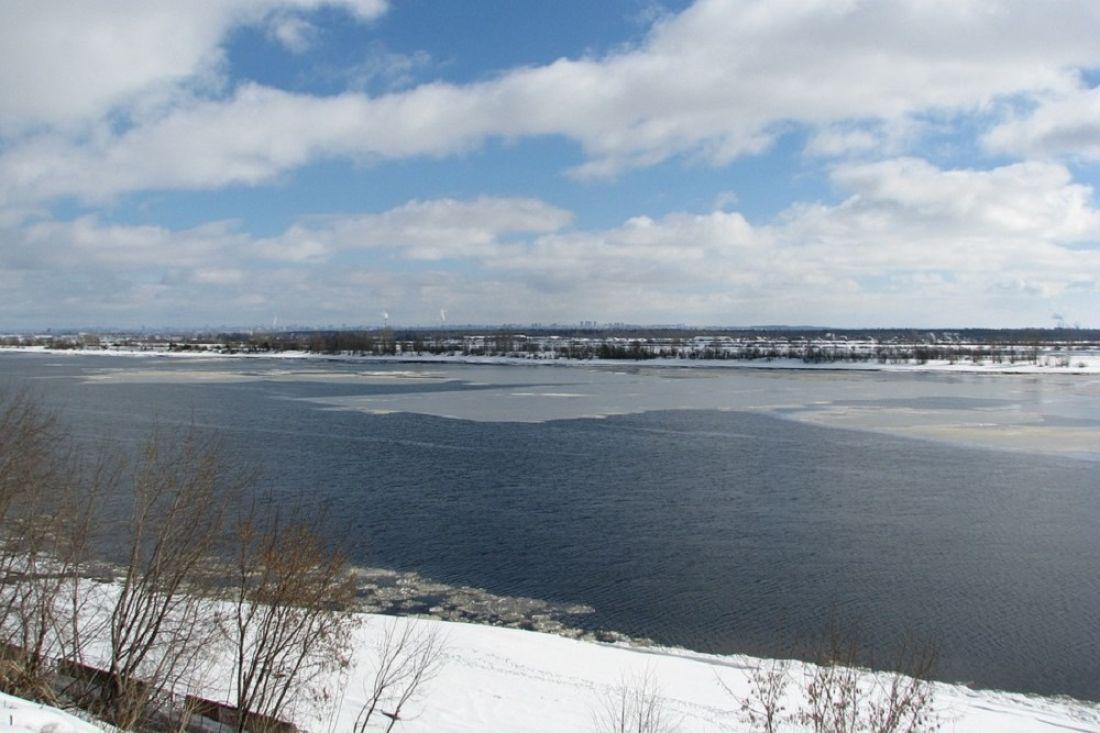 ВТверской области двое молодых людей провалились под лед иутонули