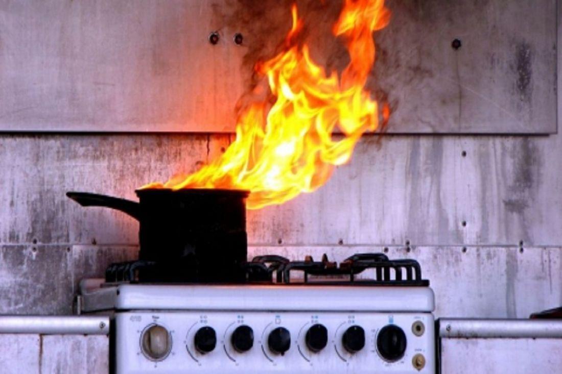 Вдоме наулице Кижеватова жильцы сами потушили пожар накухне