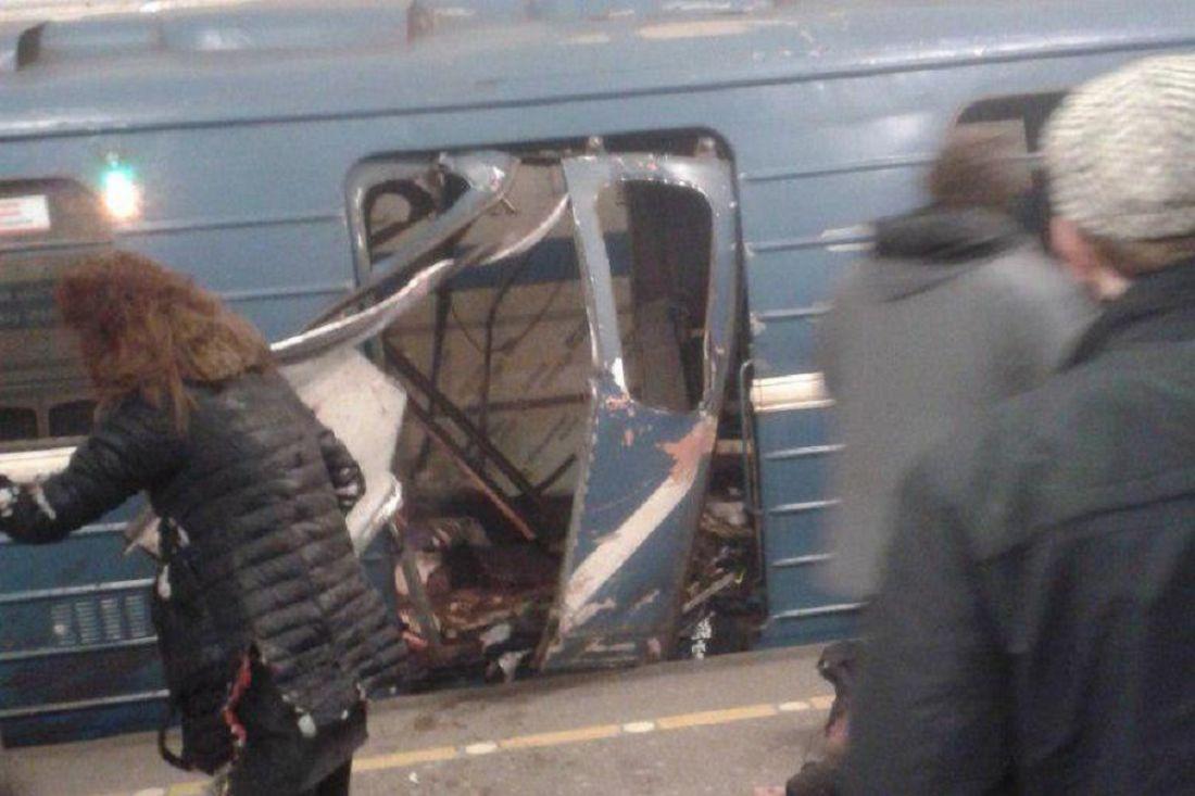 Вметро Петербурга произошел взрыв