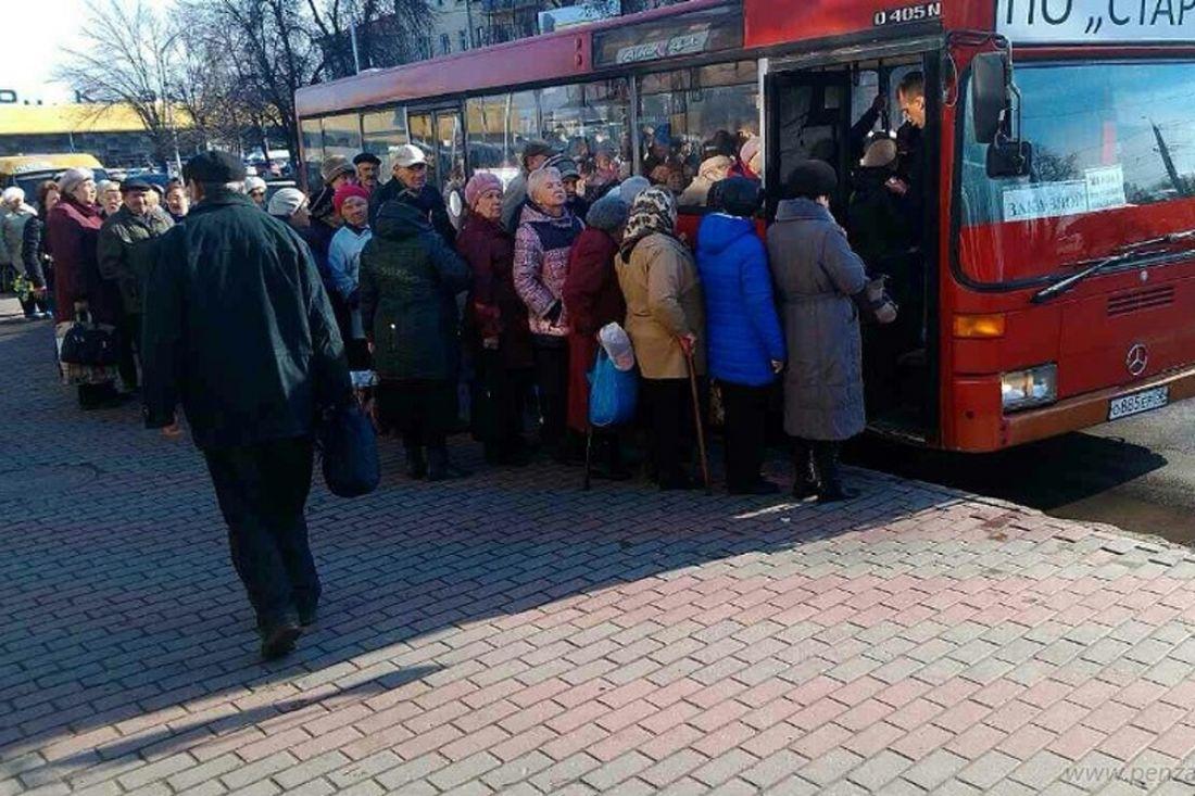Тысячи пензенцев направились наРадоницу накладбища