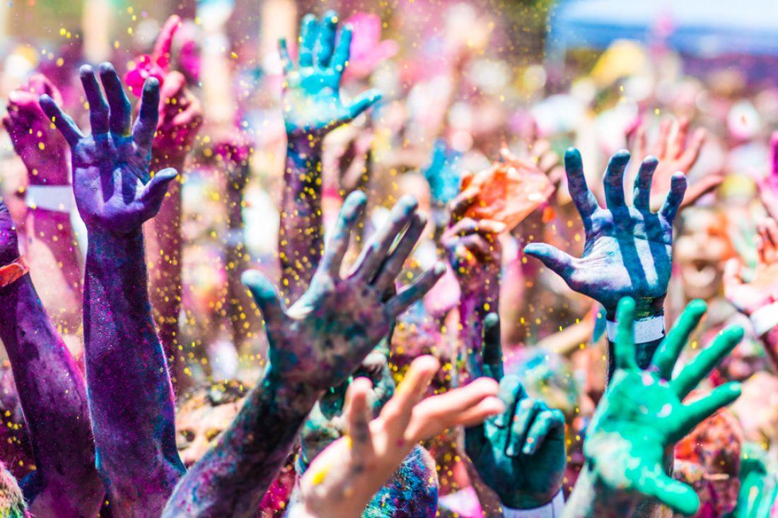 все активнее руки в краске картинки что самцы