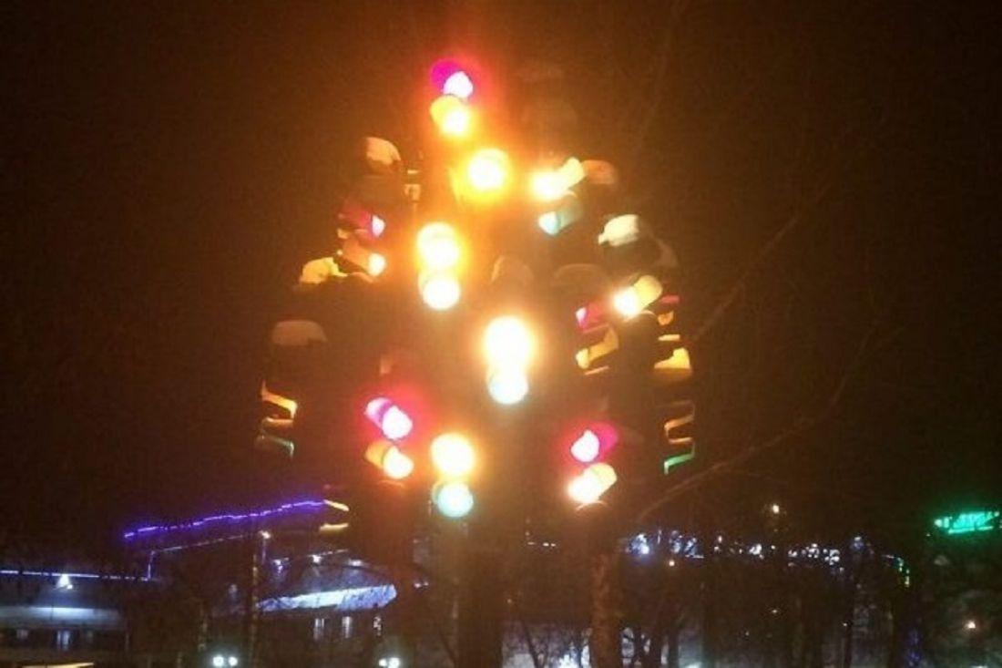 ВПензе вновь засветилось «Светофорное дерево»