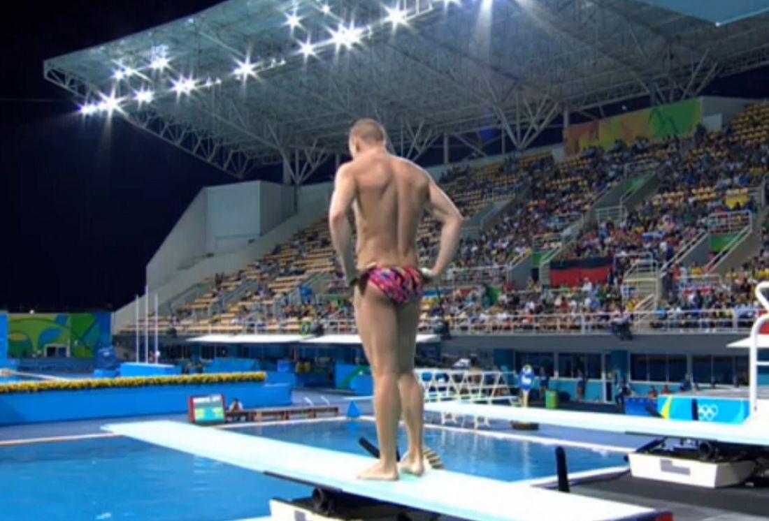 Олимпийский чемпион Захаров провалил квалификацию всольных прыжках вРио