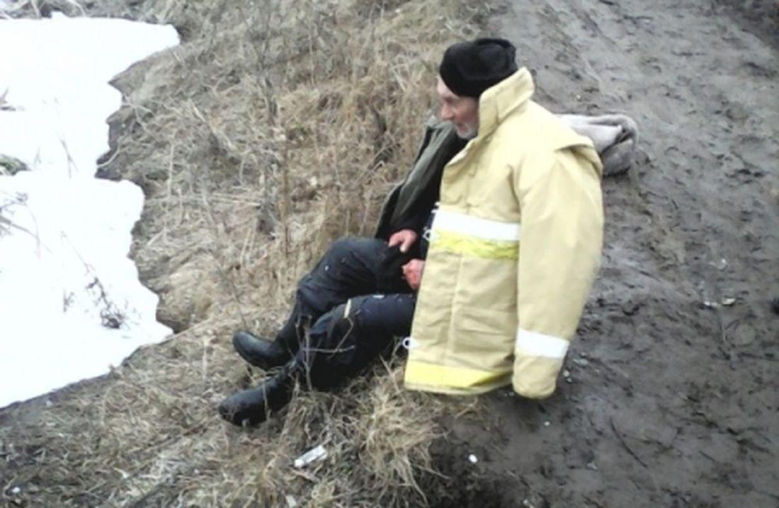 ВПензенской области ребенок помог спасти тонущего впроруби рыбака