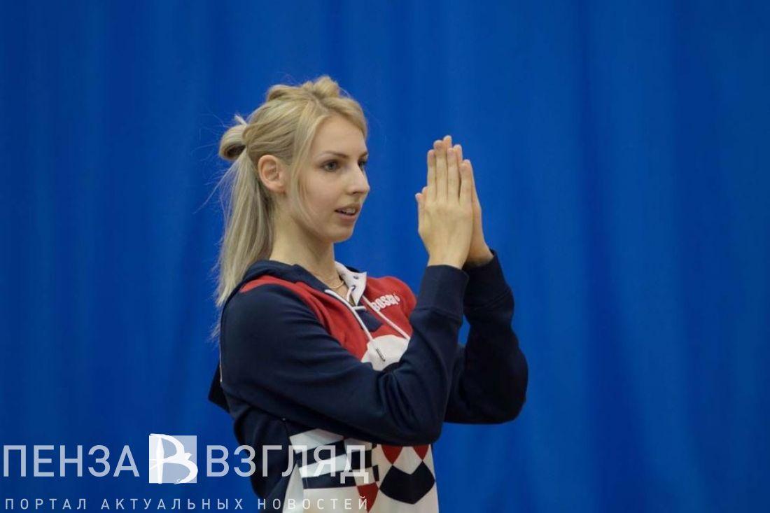Сборная РФ одолела вгрупповом многоборье наЧМ похудожественной гимнастике