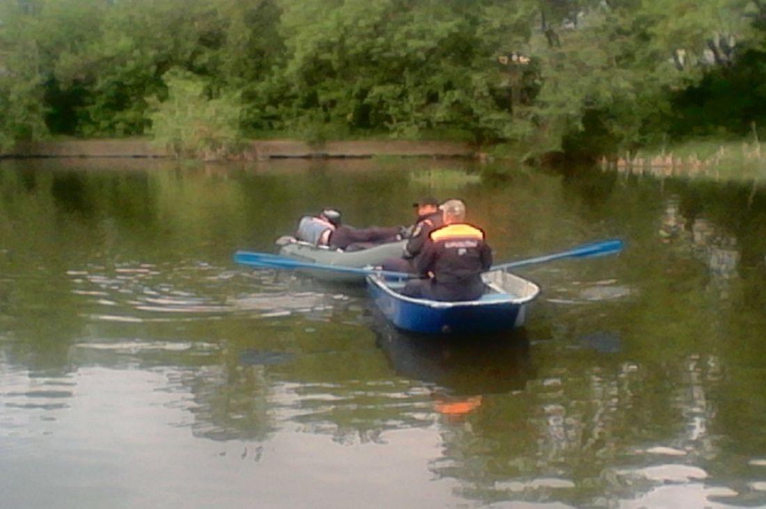 ВПензе cотрудники экстренных служб выловили лодку со«стеклянным» мужчиной