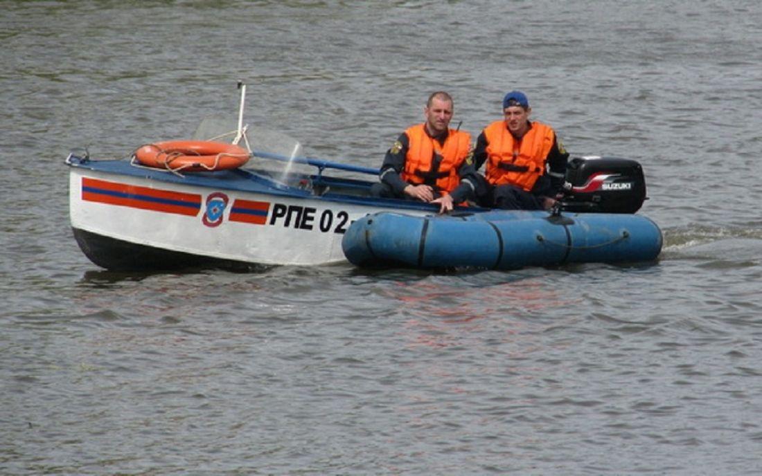 ВПензенской области спасли рыбаков, дрейфовавших нанадувной лодке