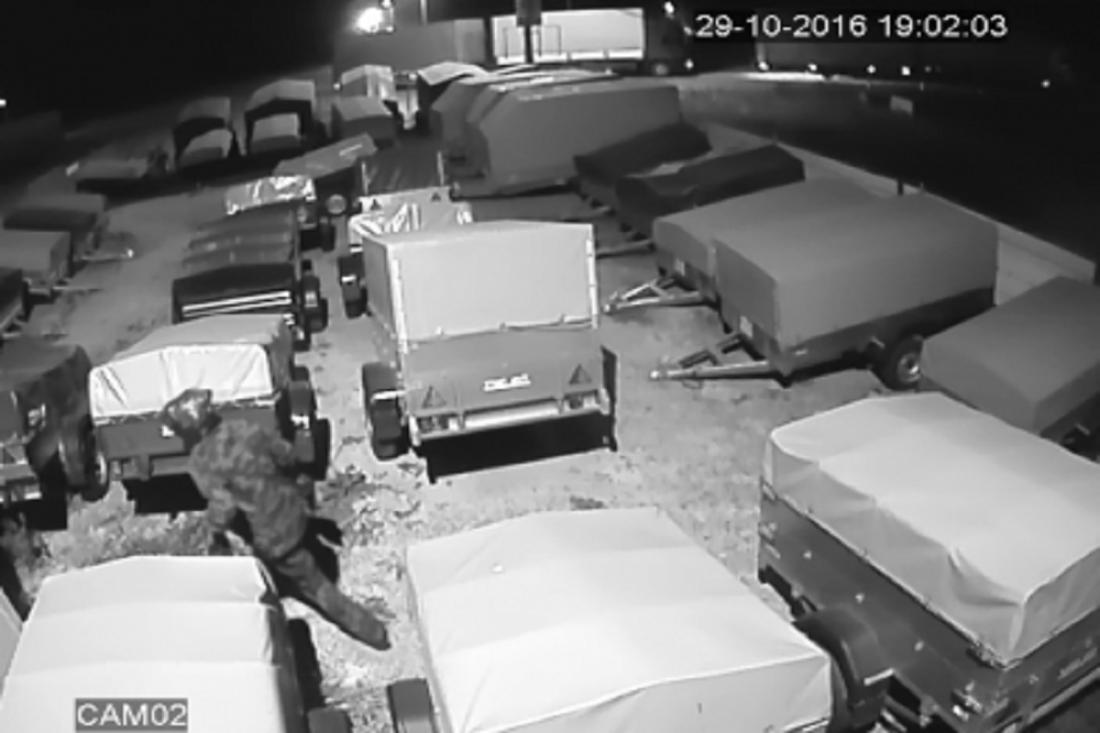 ВКузнецком районе мошенник сцеллофановым пакетом наголове похитил деньги