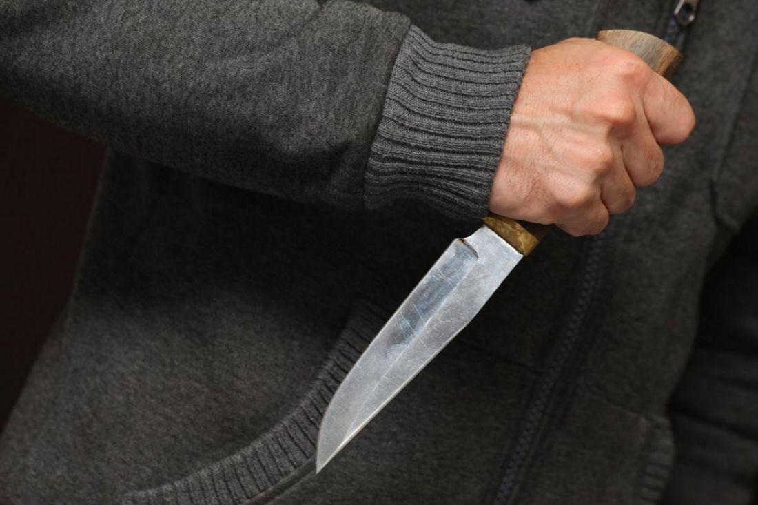 ВПензенской области 67-летний пенсионер ударил ножом своего соседа