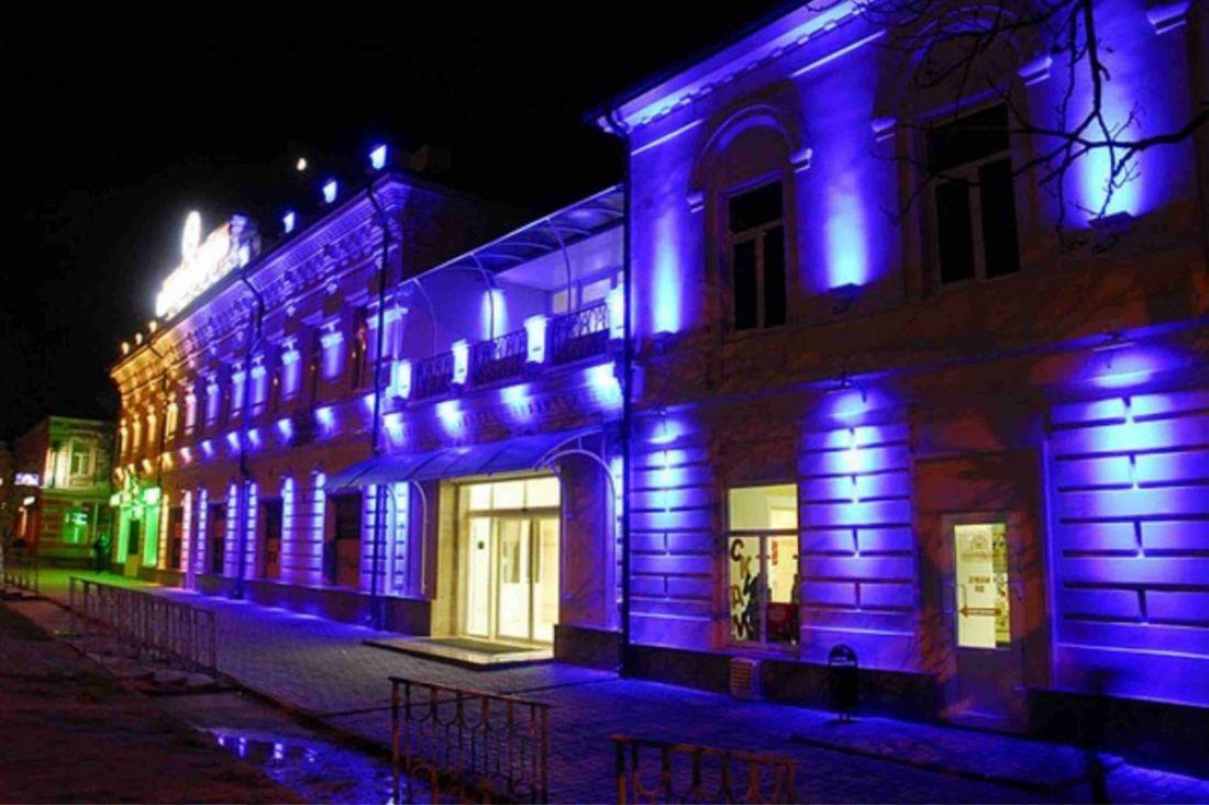 Губернатор предложил организовать подсветку фасадов вцентре Пензы