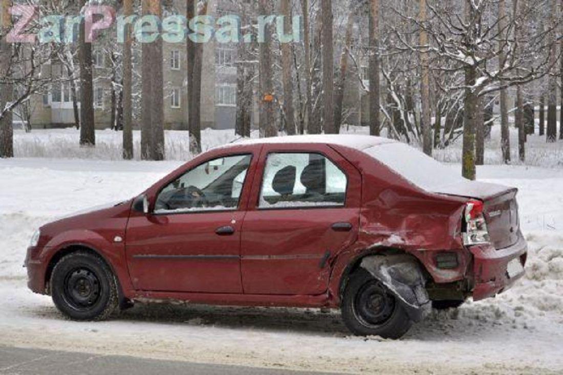 ВЗаречном нетрезвый лихач на«Land Cruiser» сломал 12 машин